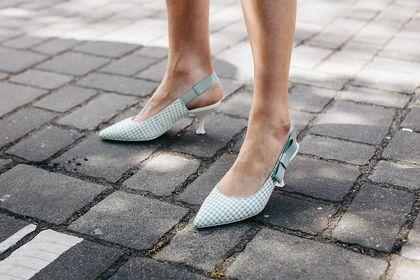 Wybieramy buty na wesele dla wysokiej kobiety - dobra wiadomość? Nie jesteś skazana na płaski obcas!