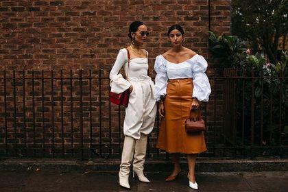 Bluzki Pepe Jeans to modne fasony i wysoka jakość! Te modele kupisz teraz na dużych obniżkach!
