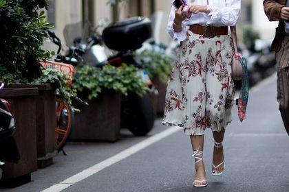 40-latki pokochają te spódnice z wyprzedaży! Rozkloszowane i ołówkowe, maxi i mini, teraz w świetnych cenach!