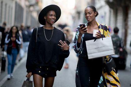 Tej wiosny bluzy Mohito cieszą się dużą popularnością! Są modne, wygodne i dostępne na wyprzedaży!