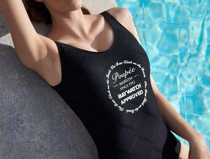Wzorzysty kostium kąpielowy wyszczupli i ukryje mankamenty sylwetki. Mamy modele tańsze nawet o 70%!