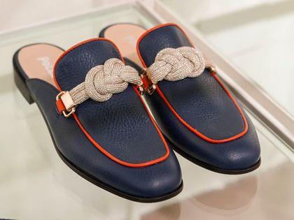 Te buty dla 50-tek robią furorę w sieci! Są wytrzymałe, wygodne i przede wszystkim stylowe. A ceny? W tej promocji niskie!