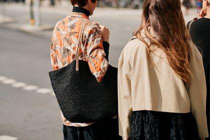 Shoppery Reserved to modne torebki na co dzień. Te modele są uniwersalne, pojemne i dostępne na wyprzedaży!