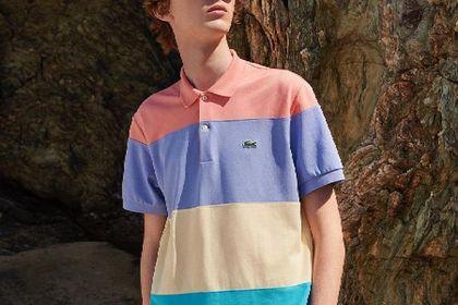Te koszulki Lacoste męskie to niebanalne uzupełnienie stylizacji. Każdy mężczyzna powinien mieć je w swojej szafie!