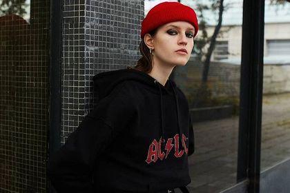 Wśród modnych nakryć głowy na szczególną uwagę zasługują czapki House. Te modele są wyjątkowo piękne!