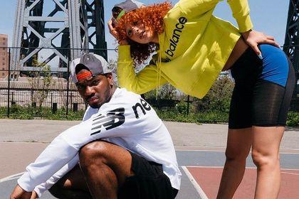 Te bluzki New Balance to doskonała jakość i niebanalny styl. Sprawdzą się nie tylko w sportowych stylizacjach!