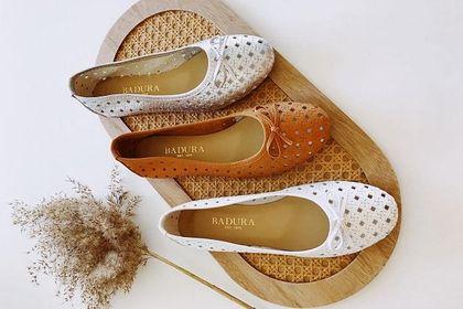 Kobiety po 50-tce uwielbiają buty tej polskiej marki. Wybrałyśmy wygodne modele na wiosnę 2021