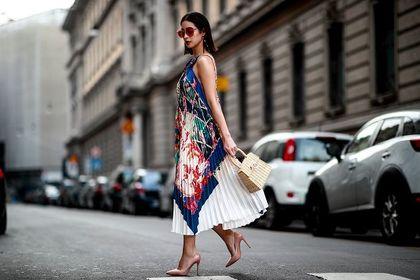 Te luźne sukienki na lato to HIT! Styl i wygoda w jednym! Teraz dostępne są na wyprzedaży!