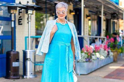Te sukienki dla 50-tek na wesele to idealne modele na lato! Niesamowita klasa i styl!