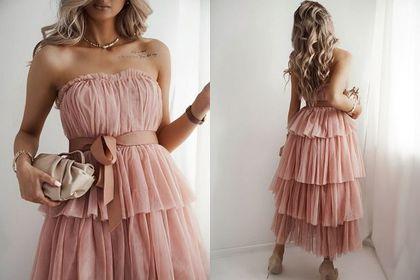 Sukienka na wesele wcale nie musi kosztować majątku. Pudrową maxi z tiulowym dołem kupisz za mniej niż 200 zł