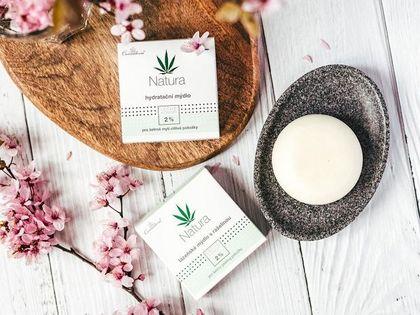 Kosmetyki z dodatkiem tej rośliny mają niezwykłe działanie. To prawdziwe antidotum dla skóry trądzikowej i nie tylko!