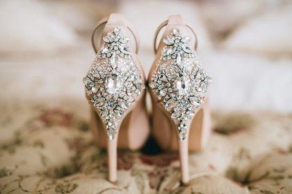 Te buty na wesele będą królować na letnich przyjęciach. Top 18 propozycji dla kobiet po 50-tce. Kup teraz, żeby zaoszczędzić