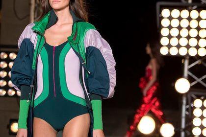 Jaki strój kąpielowy jednoczęściowy będzie HITEM tego lata? Te zmysłowe kostiumy zachwycają!