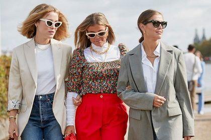Modne bluzki na wiosnę 2021. Propozycje z wyprzedaży dla kobiet 50+. Ceny robią wrażenie!