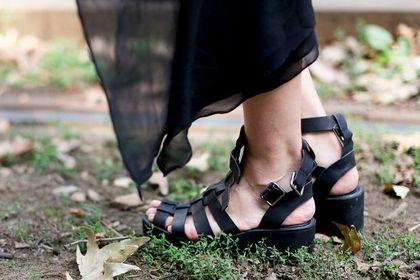 Rzymianki powracają! Najwygodniejsze sandały (na upały) w nowoczesnym stylu!