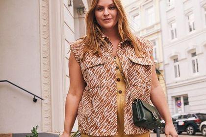 6 bluzek plus size na lato - te modele zasłaniają duży brzuch, boczki i są bardzo modne