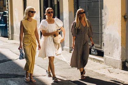 Te sukienki na lato wyszczuplą i dodadzą wdzięku! Top 24 modele obok których trudno przejść obojętnie