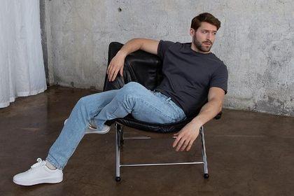 Jeansy Reserved męskie to ponadczasowe spodnie, które doceni każdy mężczyzna. Teraz możesz zaoszczędzić!