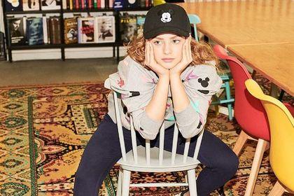 W tym sezonie panie wkładają czapki Sinsay damskie! Te modele to doskonałe dopełnienie stylizacji