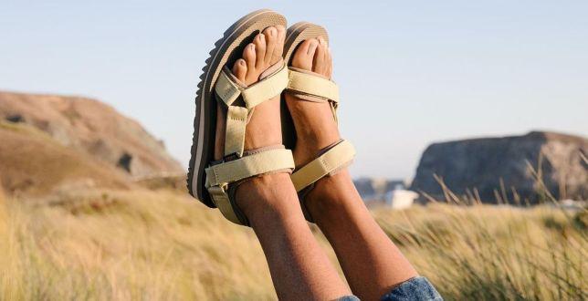 Wytrzymałe sandały sportowe z dużym rabatem. Kobiety uwielbiają je za wygodę i ponadczasowy charakter