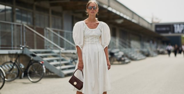 Finale sale: sukienki z lnu sprawdzą się na letnie upały. Przewiewne, delikatne dla skóry i przecenione do 76%!