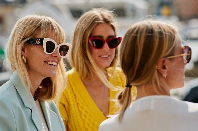 Okulary przeciwsłoneczne są wyprzedawane za bezcen! Najmodniejsze modele z filtrem UV