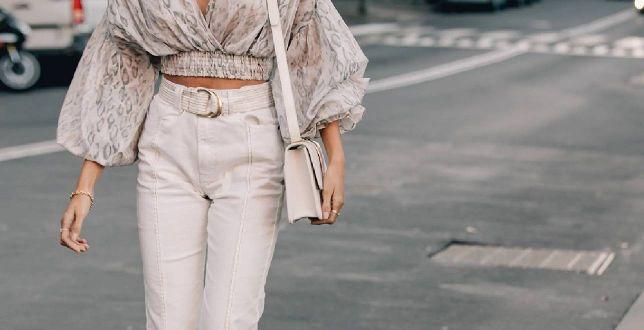 Street style: beżowe jeansy uwielbiają trendsetterki z Instagrama! Wybrałyśmy modele na każdą sylwetkę