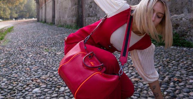 Final sale: włoska marka wyprzedaje skórzane torebki. Oto pakowne propozycje na co dzień
