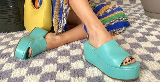 Na modne obuwie nie musisz wydać majątku! Zobacz tanie buty damskie na lato, które będziemy nosić w najbliższych miesiącach