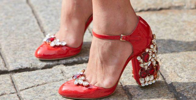 Wielokolorowe obuwie na ślub - to tegoroczny HIT na wiosnę! Kupisz je teraz na promocji!