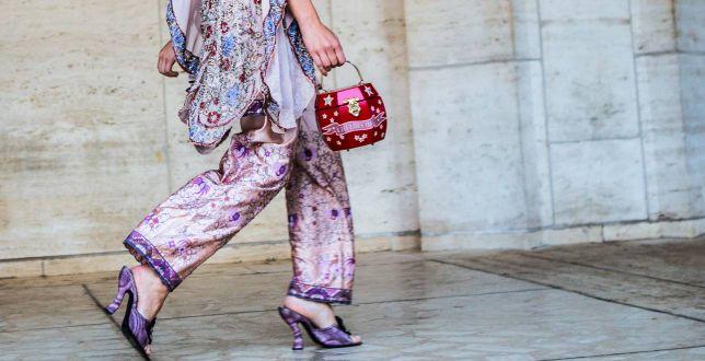 Te przewiewne spodnie Reserved damskie to HIT na lato 2021! Są piękne, stylowe i bardzo modne