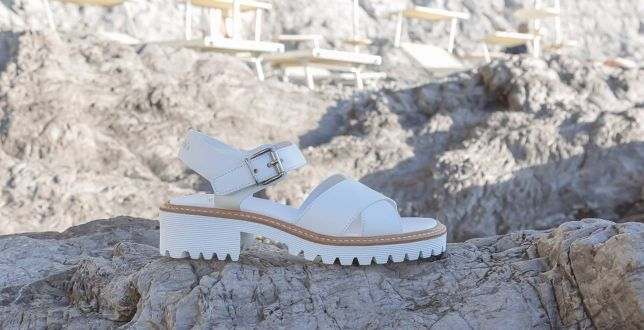 Insta Style: buty na platformie królują na Instagramie. Sandały i klapki na podwyższeniu to hit na lato!
