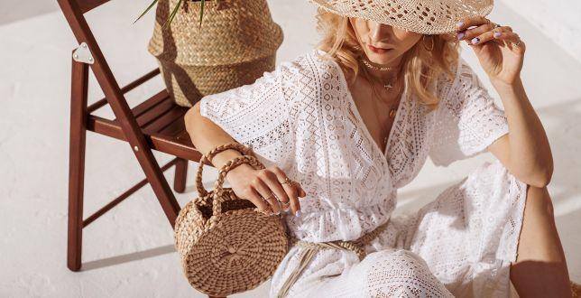 Hot dodatki: modne torebki w stylu boho. Pasują do sukienek w kwiaty. Hity na wiosnę 2021