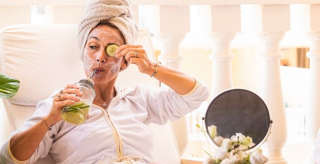 Beauty alert: domowe SPA dla skóry. Pierwszy krok to oczyszczanie. Mamy skuteczne peelingi