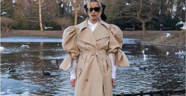 Get the look: Maffashion w oryginalnym płaszcz z kolekcji HM x Simone Rocha. Modele w tym kolorze to hit na wiosnę!