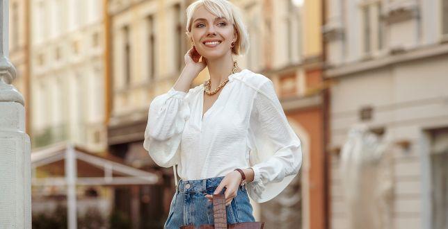 Tipy stylistek: kopertowe bluzki nigdy nie wychodzą z mody! Podkreślają biust i wcięcie w talii