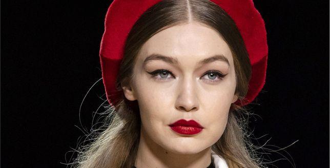 Beauty alert: czerwona szminka, która się nie ściera i wygląda perfekcyjnie przez długi czas? Znajdziesz ją w ofercie polskiej marki!