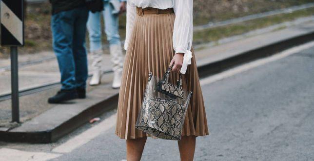 Trend alert: plisowane spódnice modne też latem! Znaleźliśmy perełki za grosze
