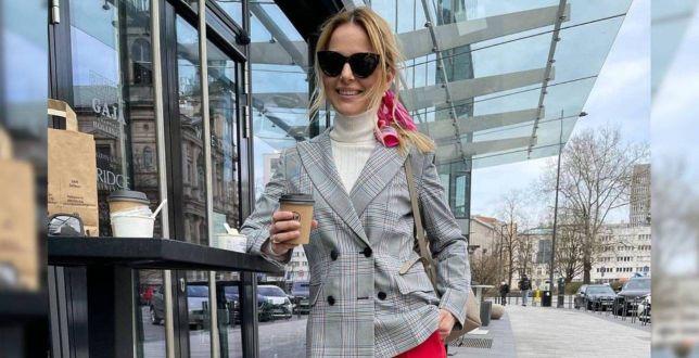 Get the look: Paulina Sykut-Jeżyna zachwyca swoją wiosenną stylizacją! My patrzymy na jej modne spodnie w niecodziennym kolorze!