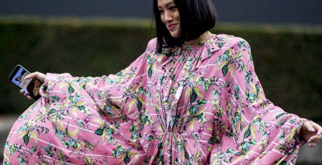 Eleganckie, kobiece i pasują do wszystkiego - sukienki w tych kolorach robią mega wrażenie. Oto perełki z Mohito!