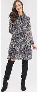 Sukienka wielokolorowa Born2be w abstrakcyjnym wzorze casualowa z długim rękawem na spacer