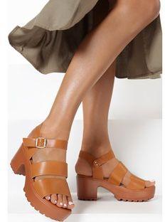 Brązowe sandały damskie Born2be na lato z klamrą gładkie na obcasie