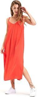 Czerwona sukienka Tommy Jeans z dekoltem w literę v na ramiączkach midi oversize