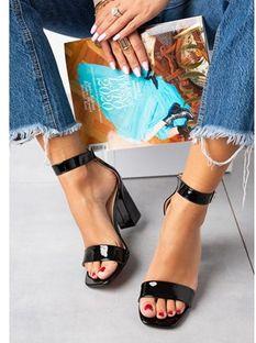 Sandały damskie Casu czarne z klamrą bez wzorów na słupku eleganckie
