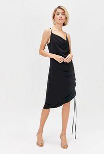 Sukienka z drapowaniem po boku