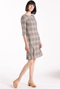 Klasyczna sukienka z częściowym plisowaniem