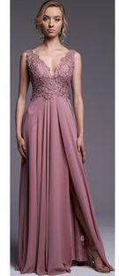 Sukienka Ella Boutique maxi w serek z szyfonu