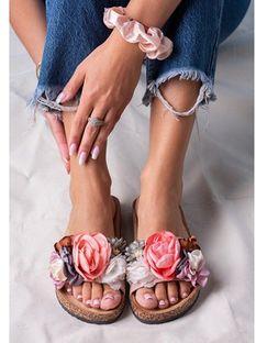 Klapki damskie Casu w kwiaty płaskie