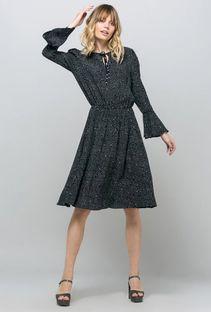 Sukienka z nieregularnym wzorem