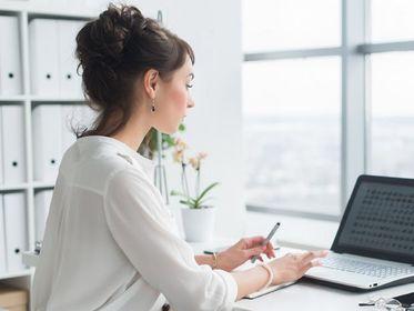 Te fryzury do pracy podkręcą twój look. Szybkie, proste i efektowne. Zobacz nasze propozycje!